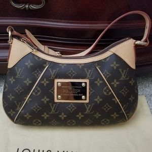 Authentic Louis Vuitton monogram Thames PM bag